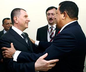Игорь Сечин и Уго Чавес. Фото: Reuters