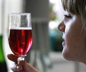Красное вино помогает лечить рак