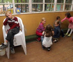 Воспитателей лагеря уволили за