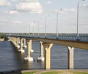 Заместитель мэра города Ростов-на-Дону по транспорту и дорожному хозяйству Виктор Кочерга заявил... моста в Волгограде.