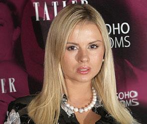 Певица и в прошлом фигуристка Анна Семенович, которая недавно покинула