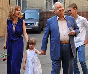 Марина Зудина, Олег Табаков с дочерью Машей и сыном Павлом. Фото: РИА Новости