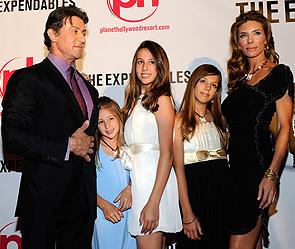Сильвестр Сталлоне с семьей. Фото: Getty Images/Fotobank.ru