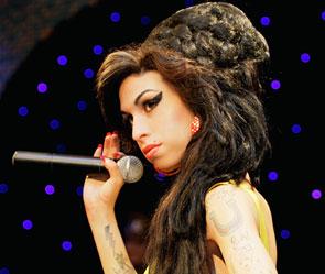 Frisuren Anleitung Frisur Amy Winehouse