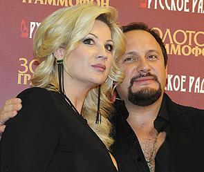 знакомство михайлова с женой
