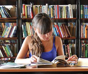 России выбирают 100 книг для школьников