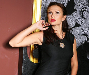 На эвелине: платье - maria rybalchenko