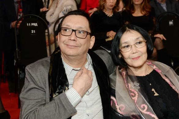 Егор Кончаловский с мамой Натальей Аринбасаровой. Фото: GLOBAL LOOK press/Anatoly Lomohov