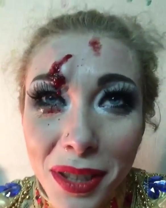 Вкировском цирке дрессировщица Екатерина Запашная упала сверблюда впроцессе выступления
