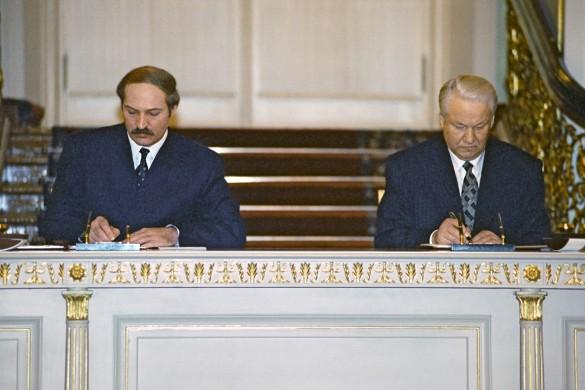 Александр Лукашенко и Борис Ельцин. Фото: wikipedia.org