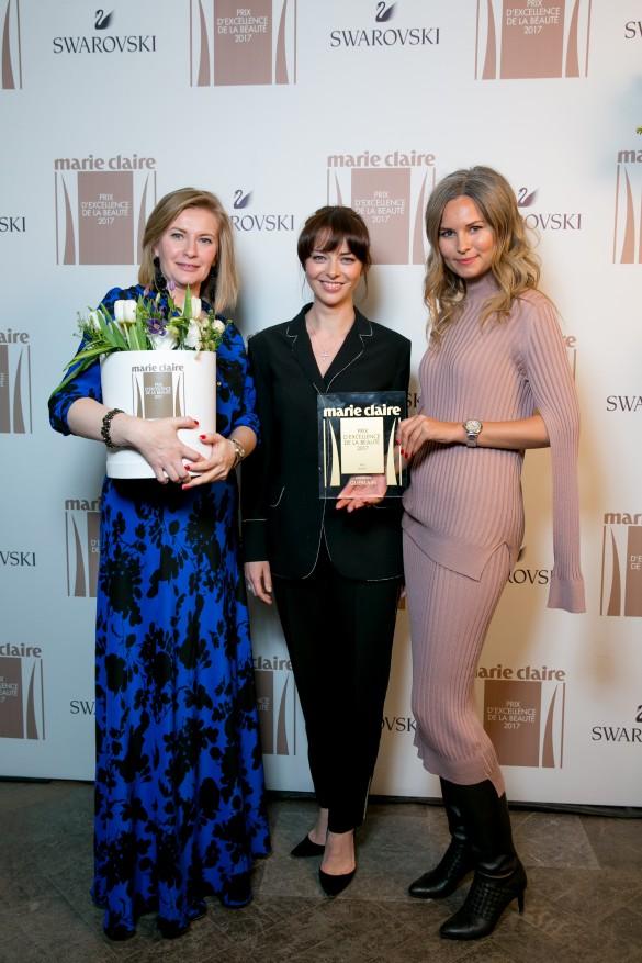 Марина Александрова и представители косметической марки. Фото: пресс-служба Hearst Shkulev Media