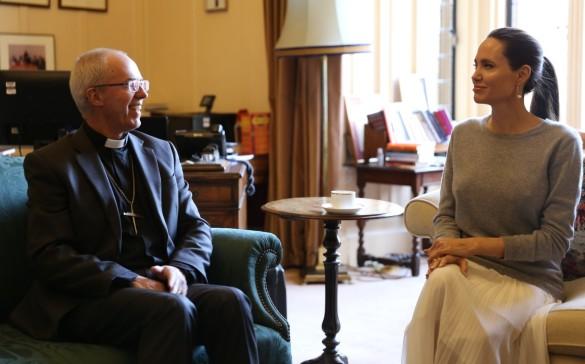 Архиепископ Кентерберийский и Анджелина Джоли. Фото: twitter.com/justinwelby