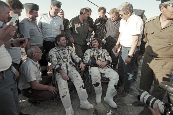 Александр Лазуткин (справа). Фото:  Метелица Сергей/Фотохроника ТАСС
