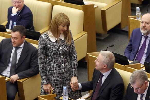 Светлана Журова и  Вячеслав Фетисов (в центре). Фото:  Станислав Красильников/ТАСС