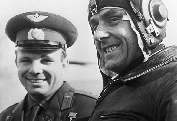 Юрий Гагарин и Владимир Комаров. Фото: Фотохроника ТАСС