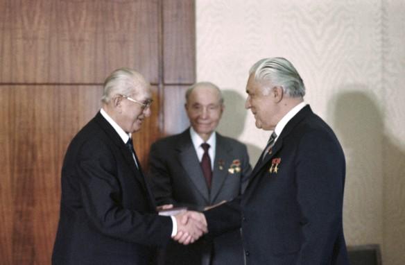 Юрий Андропов и Владимир Щербицкий