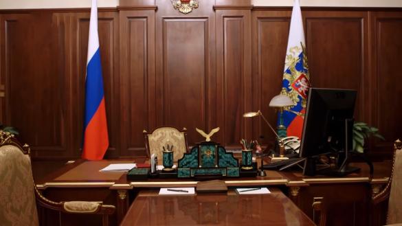 Устаревшая Windows XP, стационарные телефоны иплазма: что есть вкабинете Владимира Путина
