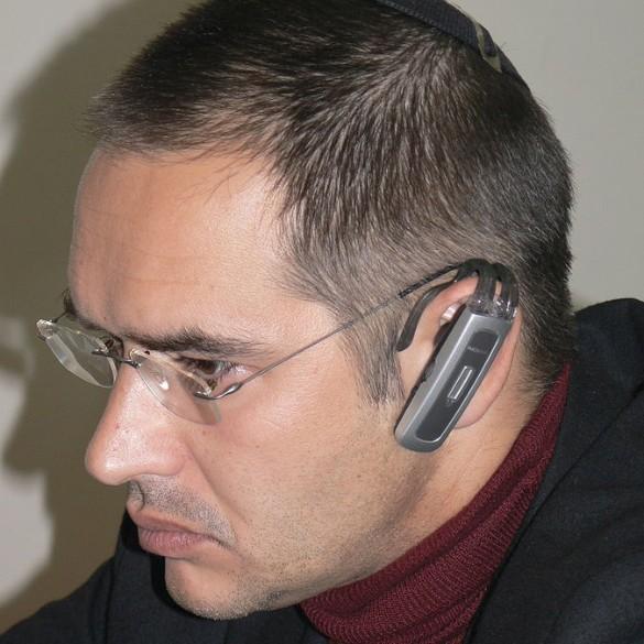 В РФ  ночью скончался  известный блогер и корреспондент  Антон Носик