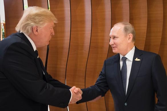 Дональд Трамп и Владимир Путин. Фото: GLOBAL LOOK press/Krystian Dobuszynski