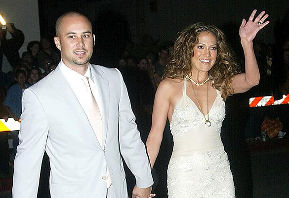 Дженнифер Лопез с бывшим мужем Кризом Джаддом. Фото: Mel/Getty Images