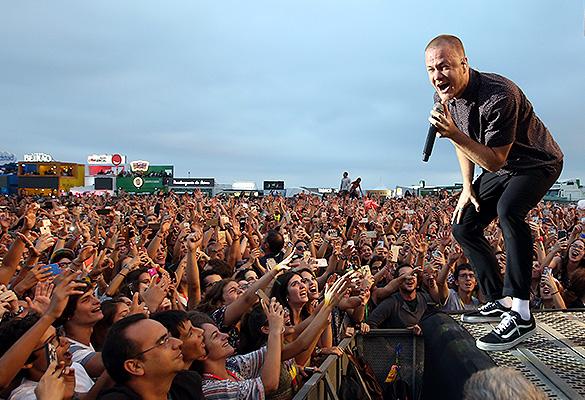 Солист группы Imagine Dragons Дэн Рейнольдс. Фото: GLOBAL LOOK press/Pedro Fiuza