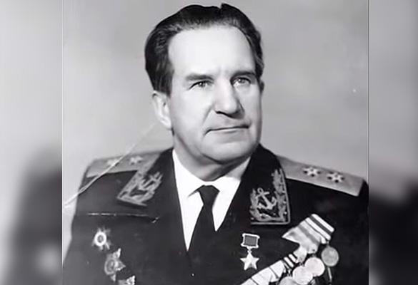Картинки по запросу Адмирал Георгий Холостяков фото