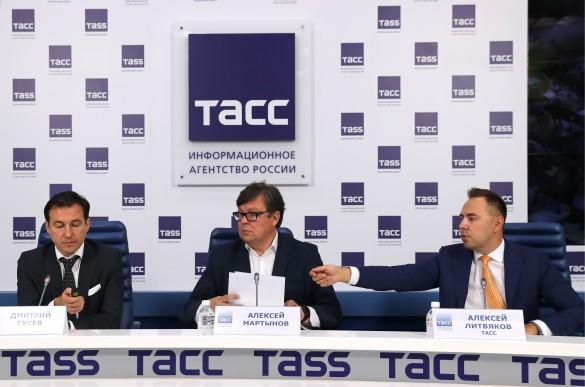 Дмитрий Гусев и Алексей Мартынов. Фото: Сергей Савостьянов/ТАСС