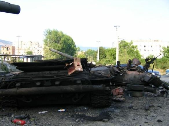 Уничтоженный грузинский танк в Цхинвале. Фото: wikipedia.org