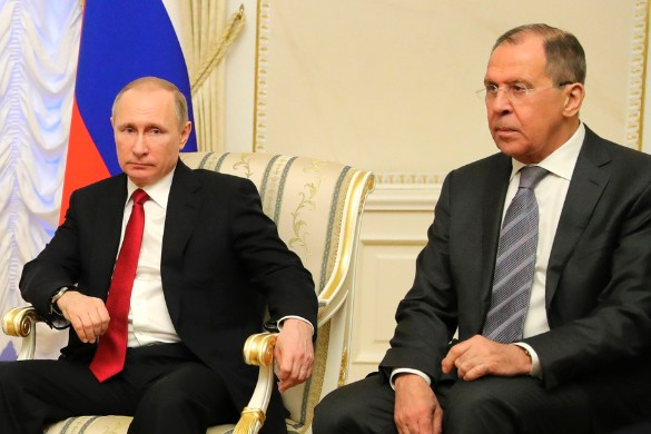 Владимир Путин и Сергей Лавров. Фото: GLOBAL LOOK press/Kremlin Pool