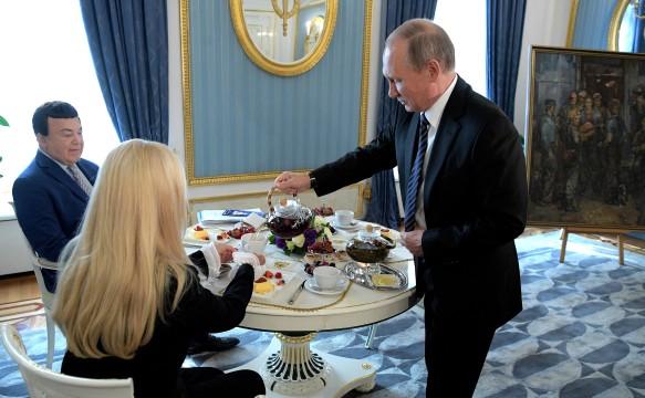 Иосиф Кобзон и Владимир Путин. Фото: kremlin.ru