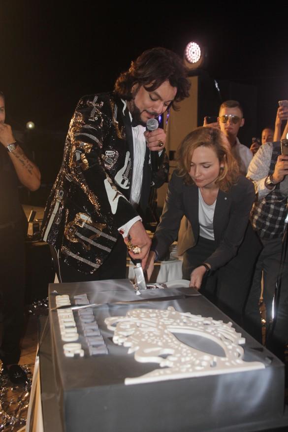 Праздничый торт. Фото: Роман Родин