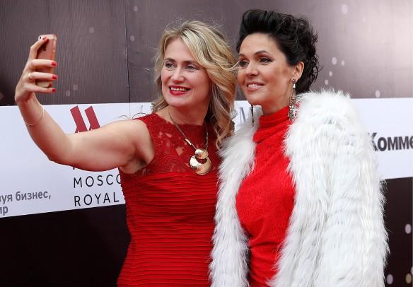 Анастасия Чернобровина (справа). Фото: Артем Геодакян/ТАСС