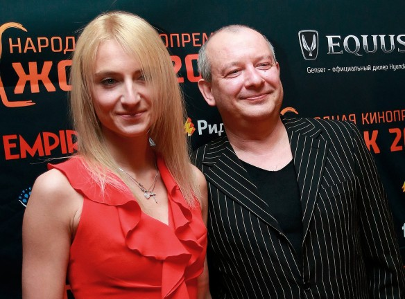 Дмитрий Марьянов с подругой. Фото: GLOBAL LOOK press