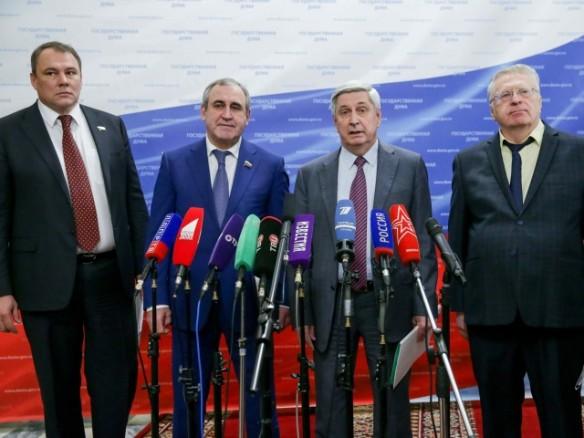 Иван Мельников, Петр Толстой и Сергей Неверов. Фото: duma.gov.ru