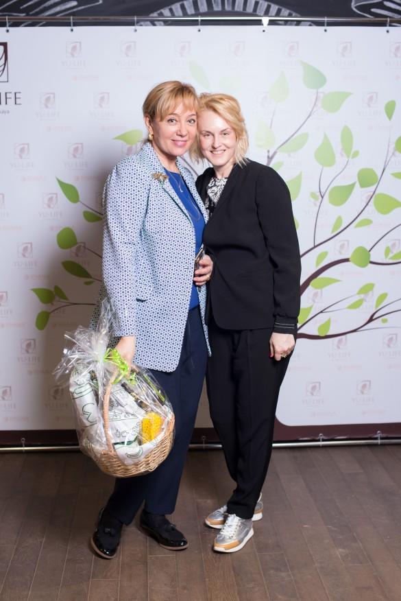 Яна Яцковская и Арина Шарапова. Фото: пресс-служба.