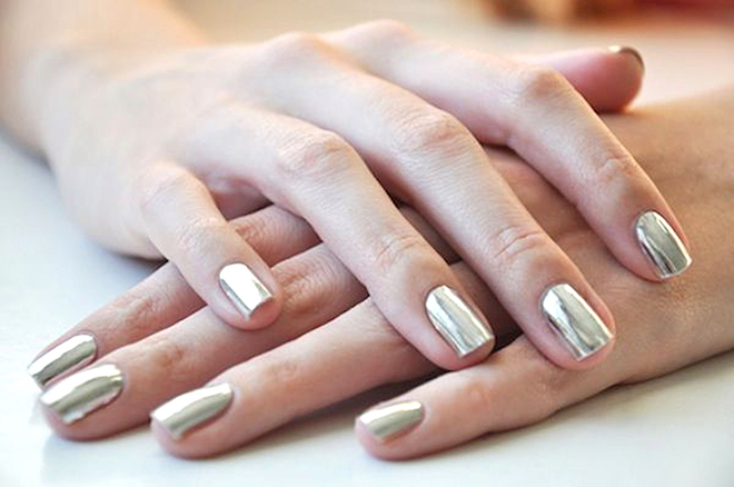 nail-trends-street-style-metallic-silver