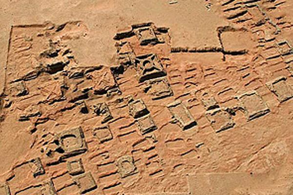 На Луне неизученные древние постройки подтверждают самые ...: http://u-f.ru/news/science/u24/2017/01/30/236985