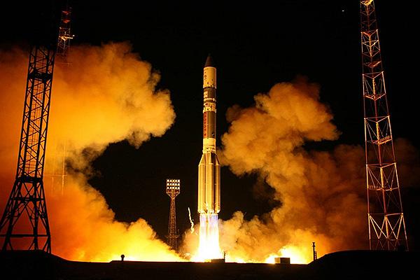 """Запуск ракеты """"Протон-М"""" закончился очередным ЧП"""