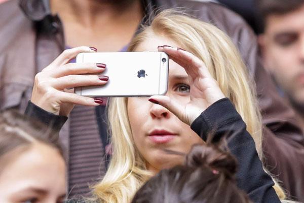 Порошенко  общает заблокировать iPhone на Украине