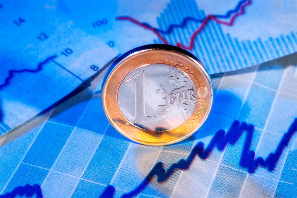 Курс рубля упал на открытии торгов из-за цен на нефть