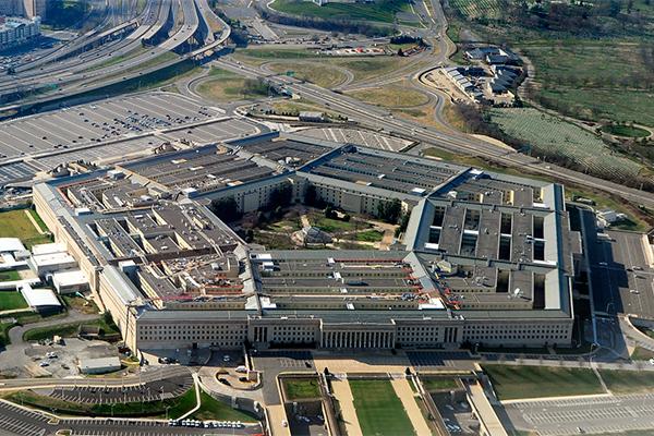 Пентагон призвал Apple и Boeing на войну