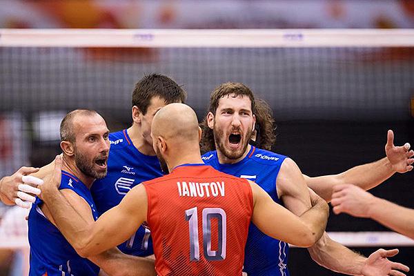 Русские волейболисты проиграли США инепробились наОлимпиаду