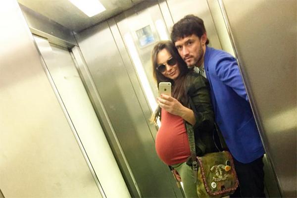 Сын трахнул перед обедом и она родила ему сына плрнуха 0 фотография