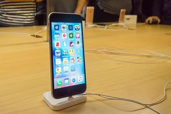 Apple объявила цену на iPhone 6s в России