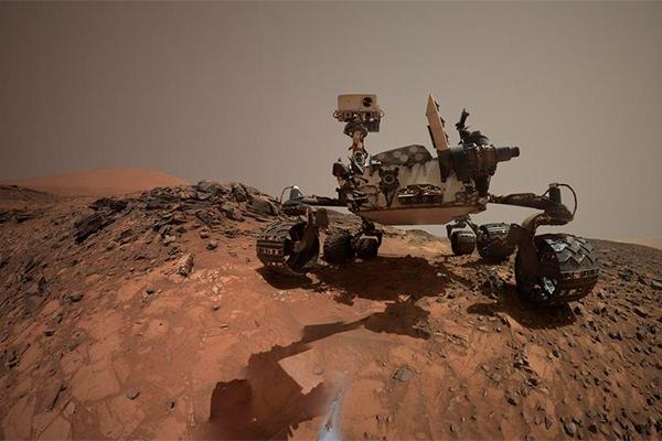 Curiosity сделал селфи в кратере Гейла