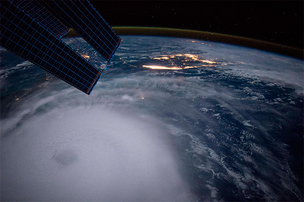 В ноябре на Землю рухнет необычный космический объект