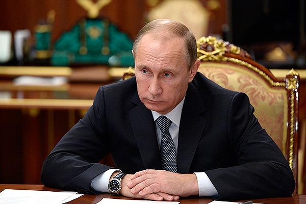Опрос: 85% граждан России позитивно оценивают работу Владимира Путина напо ...