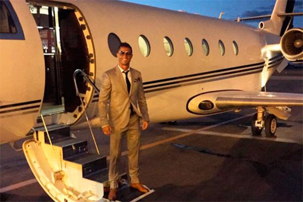 Криштиану роналду купил себе самолет видео