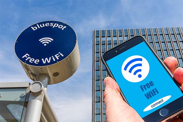 Ученые научились заряжать смартфоны через Wi-Fi