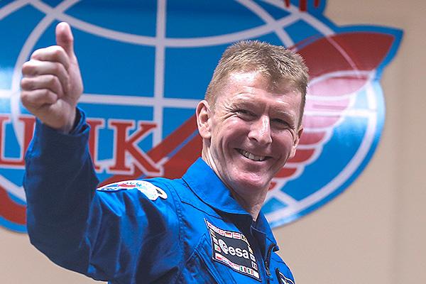 Космонавт позвонил незнакомке вместо жены